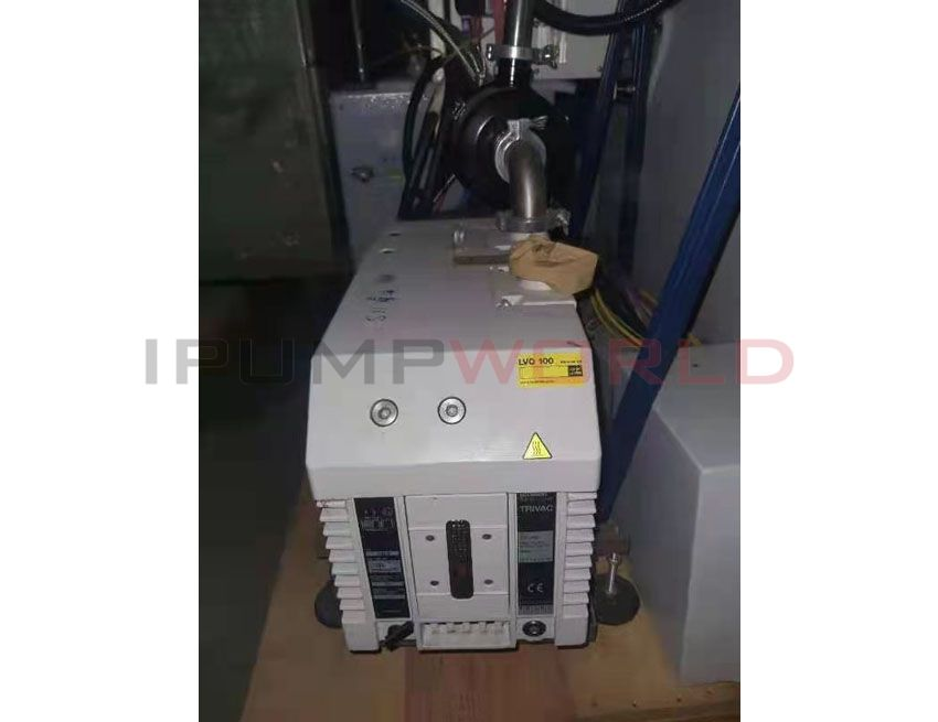 Used Oerlikon Leybold TRIVAC D65B oil-sealed rotary vane pump